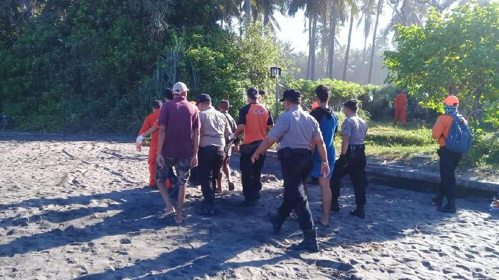 Jenazah Ayah yang Hanyut bersama Anaknya di Pantai Tabanan Ditemukan