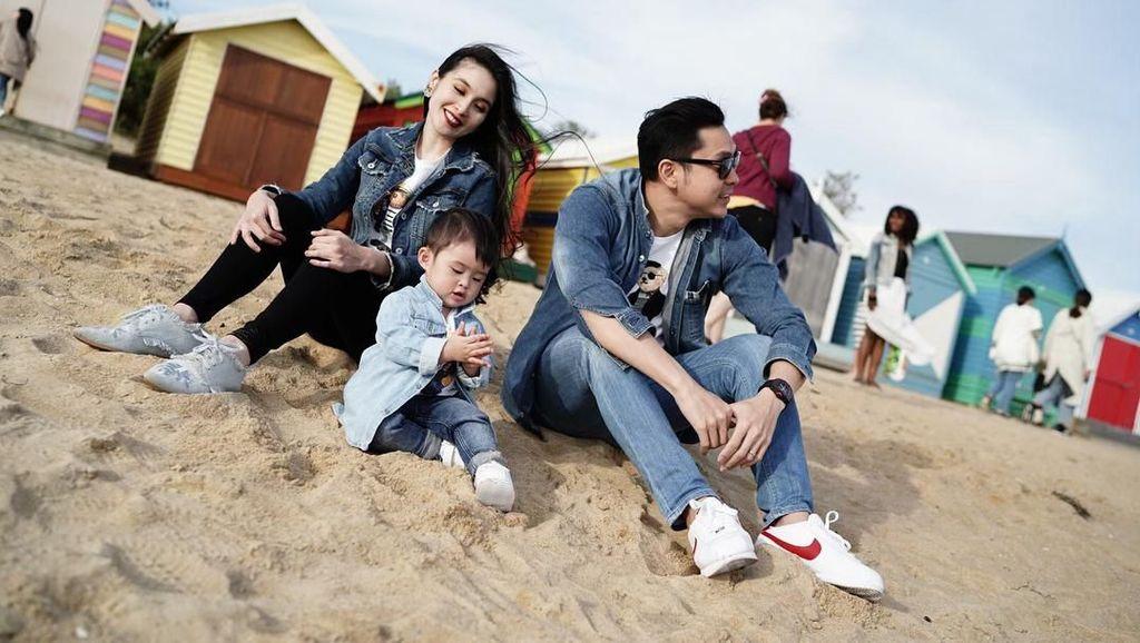 Setelah Dapat Jet Pribadi, Anak Sandra Dewi Kini Kendarai SUV Mewah