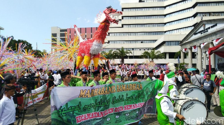 Tradisi Dugderan di Semarang (Angling Adhitya Purbaya/detikcom)