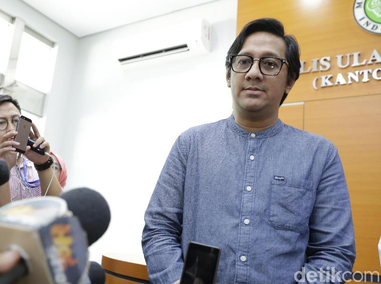 Posting Video Bareng Anak, Andre Taulany Ucap Kangen Buat Sule