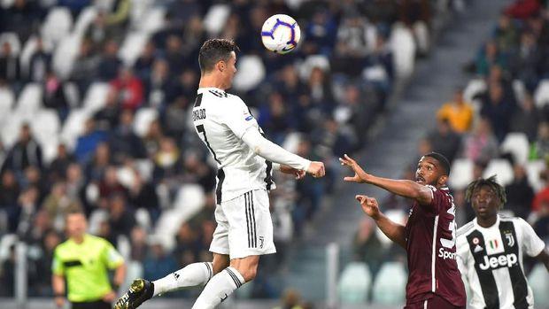 Cristiano Ronaldo juga punya peluang untuk raih Ballon d'Or 2019.