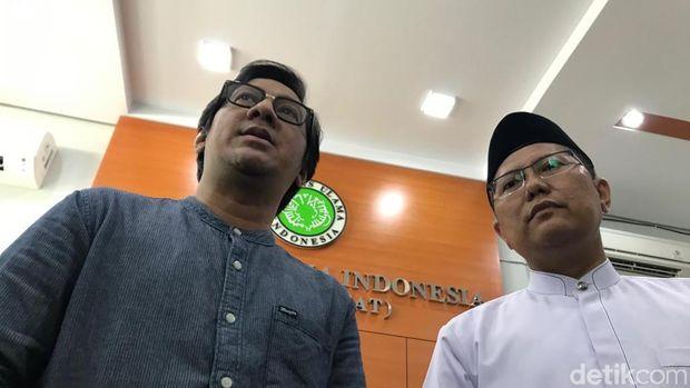 Cholil bersama Andre di kantor MUI.