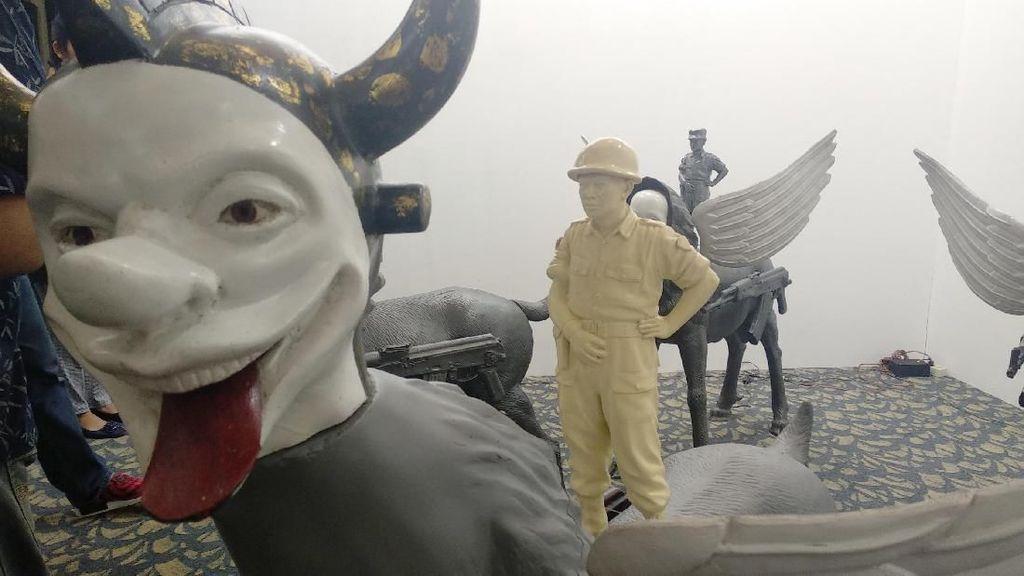 Orba dan Wajah Soeharto Kala Muda di Patung Ciptaan Seniman Heri Dono