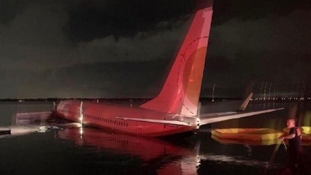 Boeing 737 Tercebur ke Sungai AS, Saat Kejadian Sedang Hujan Badai