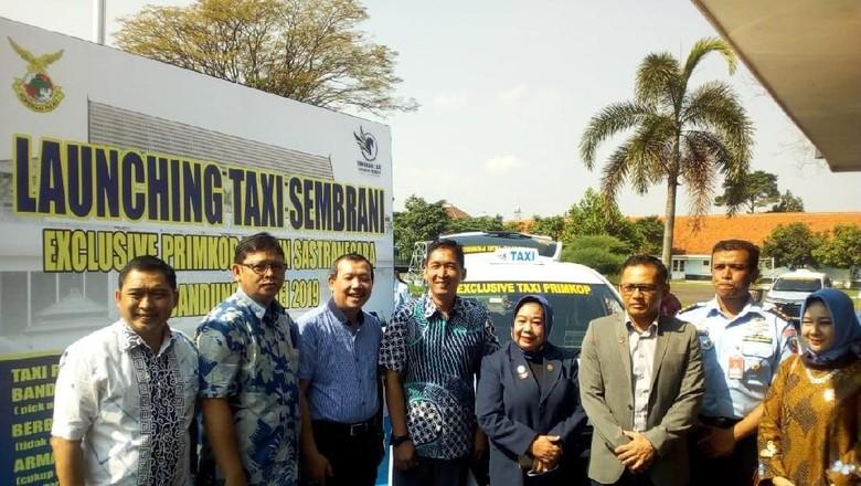 Tarif Taksi di Bandara Husein Kini Setara Transportasi Online