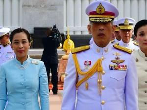 Kontroversi Raja Thailand Saat Corona, Tidur di Hotel Mewah dengan 20 Selir