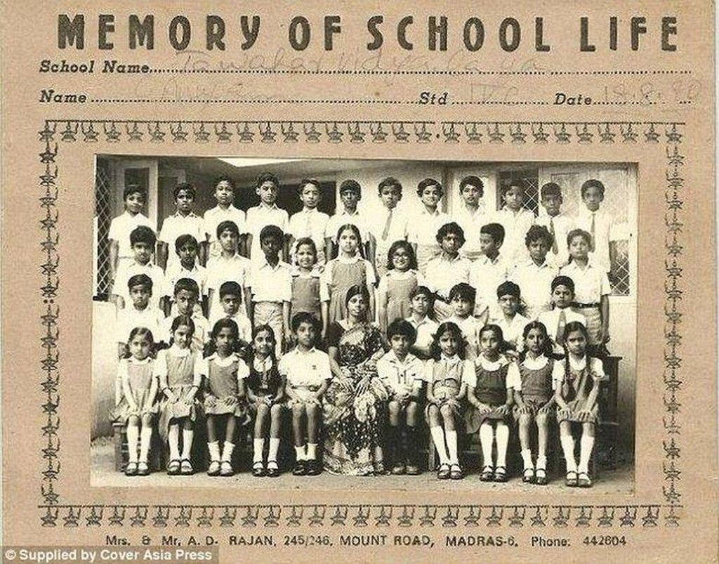 Sundar Pichai saat di sekolah dasar, ia ada di posisi paling atas nomor empat dari kiri. Dia dilahirkan di selatan kota Chennai, India, pada 44 tahun yang lalu. Foto: Istimewa