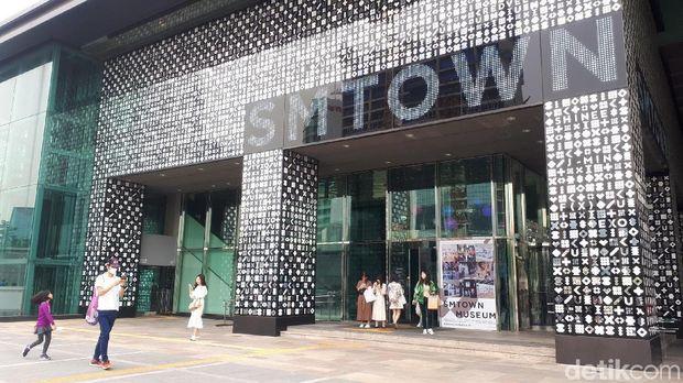 Belum ke Korea Selatan, Kalau Belum ke SM TOWN dan Nami Island