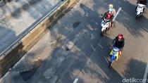 Foto: Lubang-lubang di Jalan Gunung Sahari Jakarta