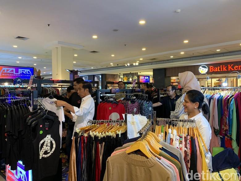 Ke Mal Jelang Puasa, Jokowi dan Iriana Beli Baju Koko hingga Stoples