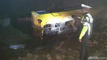 Bus Tabrak Truk di Tol Solo-Ngawi, 5 Penumpang Terluka
