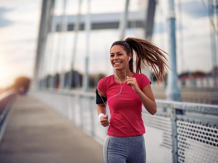 6 Olahraga Saat Puasa yang Bisa Kamu Lakukan/Foto: iStock
