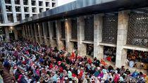 Kesibukan Jelang Buka Puasa Ramadhan 2019 di Masjid Istiqlal
