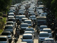 Jokowi ke Fahri Hamzah hingga Zulkifli Hasan: Ibu Kota Jadi Pindah