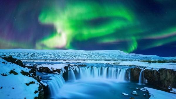 Godafoss menjadi salah satu tempat wisata paling cantik yang ada di Islandia. Julukannya saja The Beauty. (iStock)