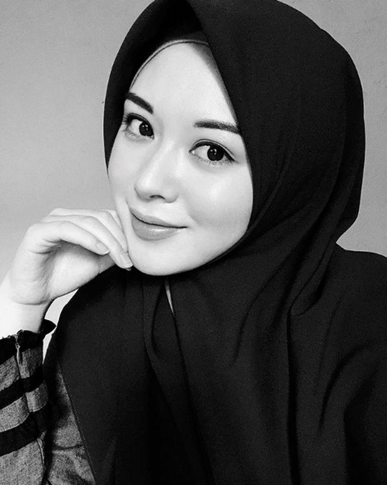 Selebgram Ayana Moon menyebut dirinya akan menghabiskan masa Ramadhan ini di Indonesia dan Malaysia.Dok. Instagram/xolovelyayana