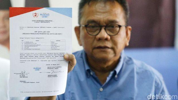 M Taufik tunjukkan kop surat Seknas Prabowo-Sandi