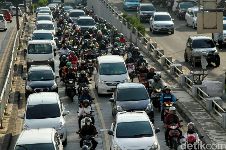 Ilustrasi membludaknya sepeda motor di Jakarta, Foto: Rifkianto Nugroho