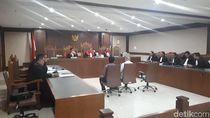 Pejabat Kemenpora Didakwa Terima Suap Rp 400 Juta-Mobil dari Sekjen KONI