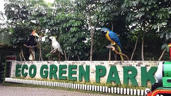 Masih bagian dari Jatim Park 2, Eco Green Park memberikan edukasi daur ulang sampah untuk wisatawan. Contohnya, ada patung Kalajengking besar yang terbuat dari rantai bekas. (Dok. Jatim Park Group)