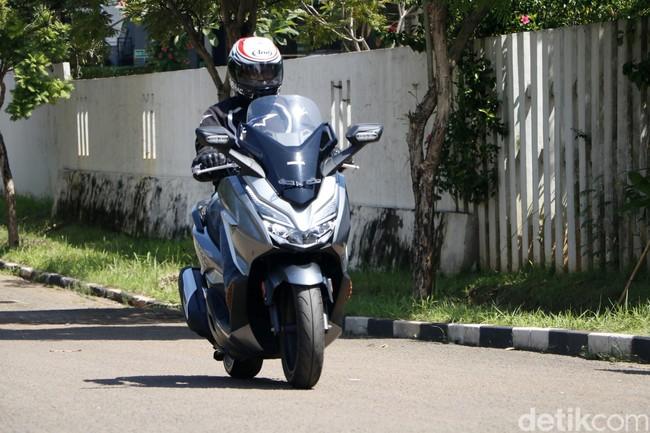 Honda Forza, Skutik 250 cc Hampir Rp 80 Juta, Worth It?