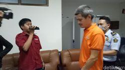 Usai Dipenjara 6 Bulan Karena Jual Obat, WNA Asal China Dideportasi