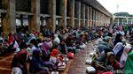 Ribuan Orang Ikut Buka Puasa Bersama di Masjid Istiqlal