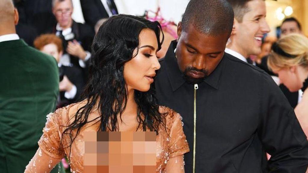 Penggemar Buat Teori Nama Anak ke-4 Kim Kardashian, Bear West?