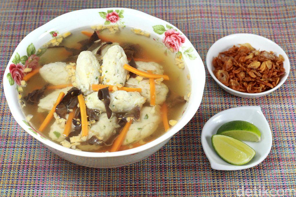 sup bola ikan seafood