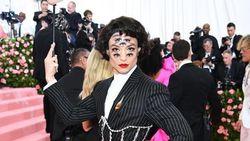 Makeup 5 Jam, Ini Cerita Makeup Artist Dandani Ezra Miller Jadi Punya 7 Mata