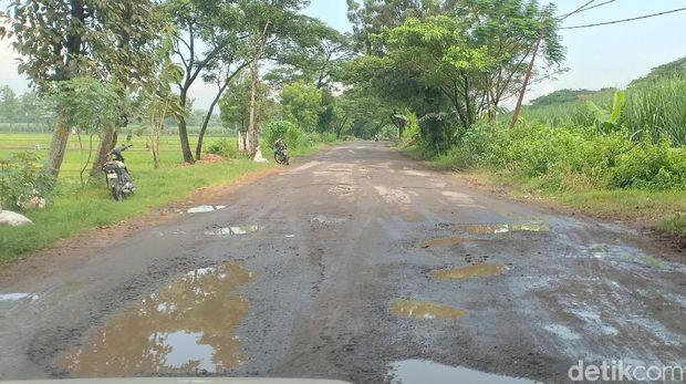 Jalan rusak ini masuk wilayah Madiun dan Ngawi/