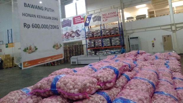 Menurut Anies, harga bawang putih mahal karena stok tidak ada.