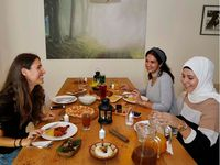 Kalau 'Blind Date' Sudah Biasa, Ini 'Blind Iftar' yang Seru