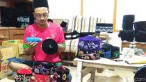 Berkah Ramadhan, Pesanan Songkok Lukis dari Lamongan Meningkat