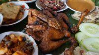 Kluwih: Buka Puasa Enak dengan Ayam Bekakak Plus Sambal Ceurik