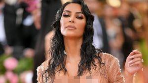 Kasihan, Kim Kardashian Susah Duduk karena Pakai Baju Ini di MET Gala 2019