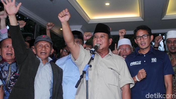 Foto: Prabowo Subianto (tengah).  (Lamhot Aritonang/deticom).