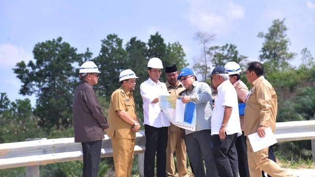 Jokowi tinjau calon ibu kota /