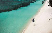 Aksesnya via helikopter atau pesawat amfibi (Banwa Private Island)