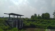 Banjir di Mojokerto akibat Dam Tersumbat Sampah, Kapan Dibersihkan?