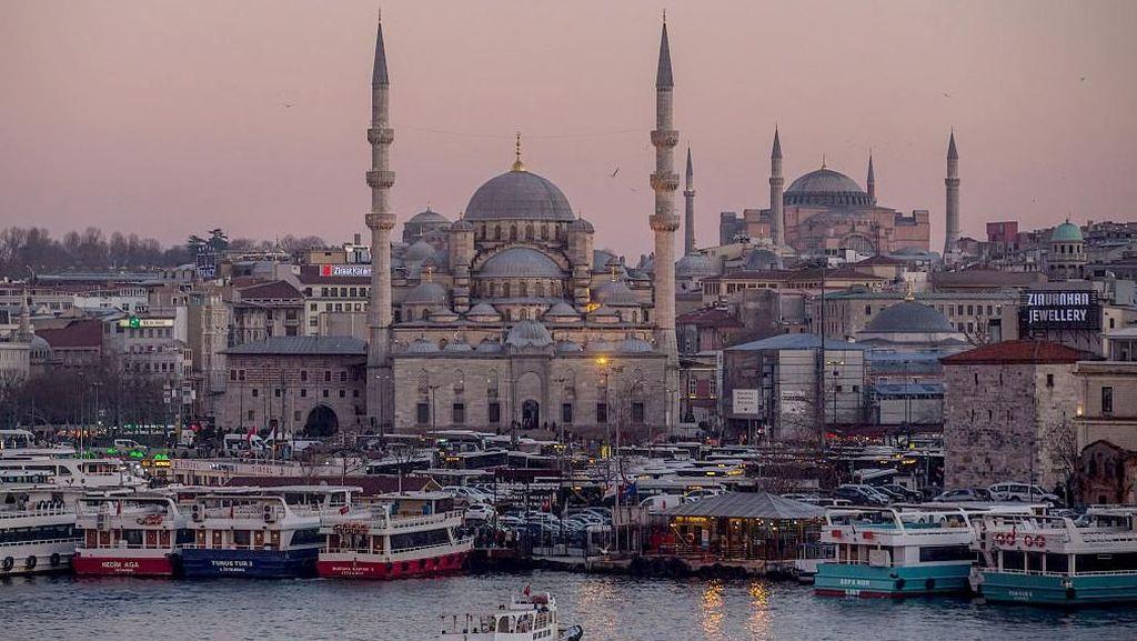 Melacak Jejak-jejak Kejayaan Islam di Turki