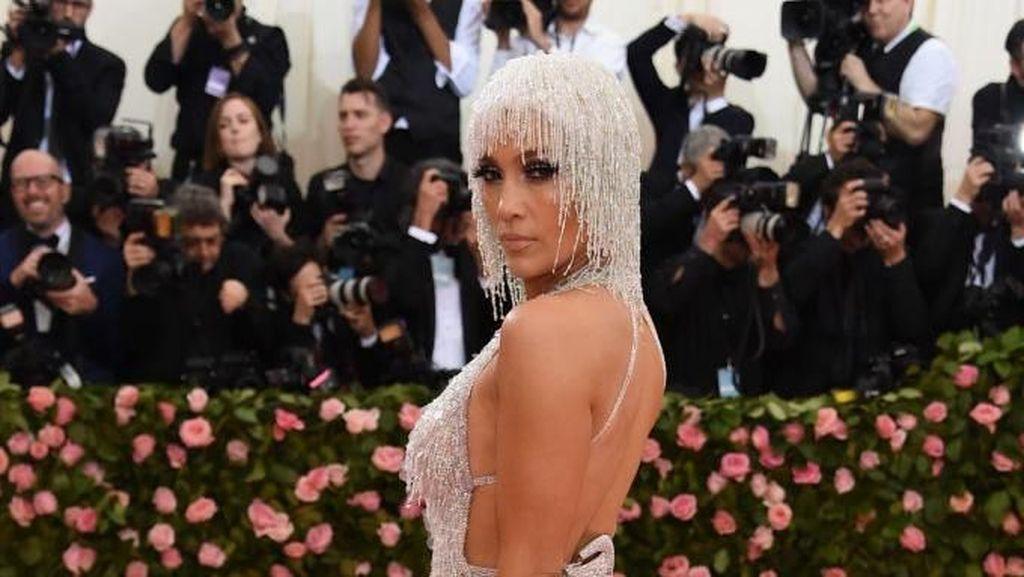 J-Lo Dituntut Rp 2,1 Miliar karena Posting Fotonya Sendiri di Instagram