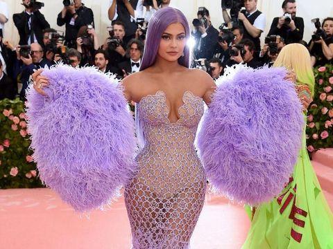 Kylie Jenner Sewa Kapal Yacht Rp 3,5 Triliun untuk Pesta Ulang Tahun