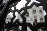 Masjid Ramlie Musofa yang megah.