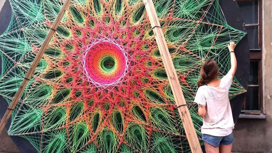 Terpukau Instalasi String Art yang Kece Abis