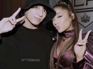 Ariana Grande Pasang Selfie Bareng Jungkook BTS Sebagai Wallpaper Handphone