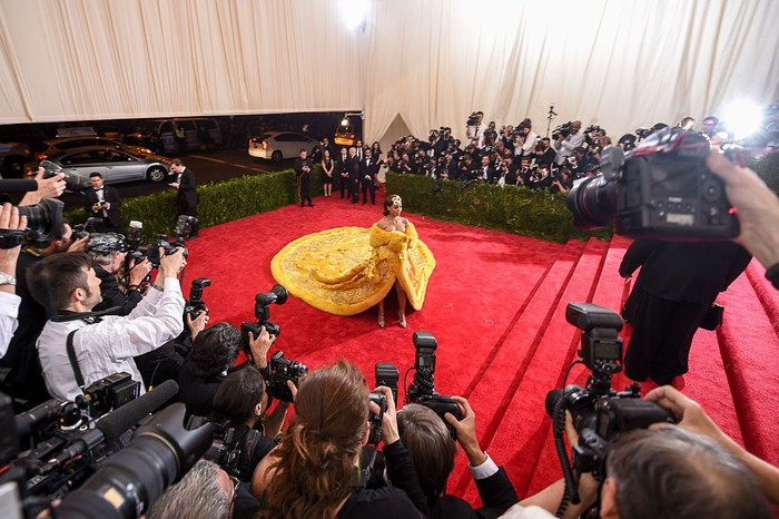 Rihanna di MET Gala 2015 (Andrew H. Walker/Getty Images for Variety)