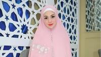 Cerita Kecintaan Celine Evangelista pada Islam