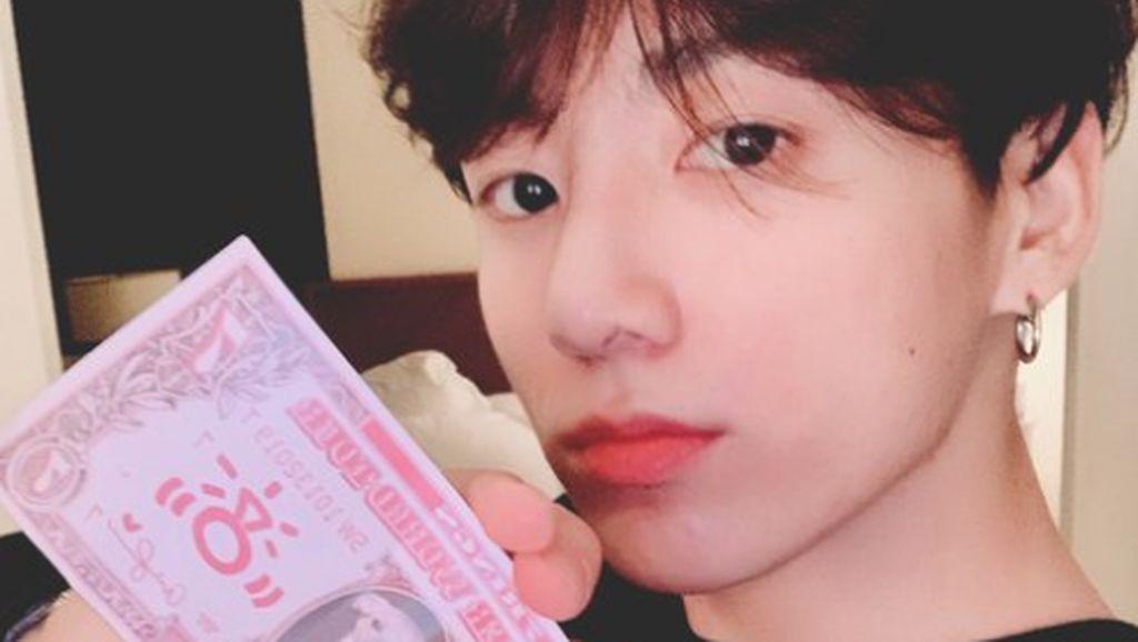 Punya Fans Tajir, Jungkook BTS Bikin Sold Out 7 Barang Ini