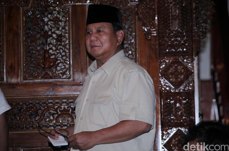 Hangat Dingin Hubungan Prabowo-Amerika Serikat